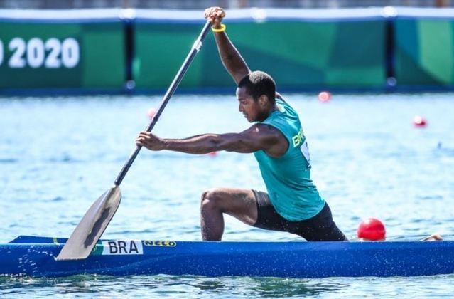 CANOAGEM - Já o brasileiro Jacky Godmann, parceiro de Isaquias Queiroz na categoria C-2 1.000m, foi eliminado dos Jogos Olímpicos de Tóquio. Jacky ficou em sexto lugar em sua bateria das quartas de final, com tempo de 4m18s208.