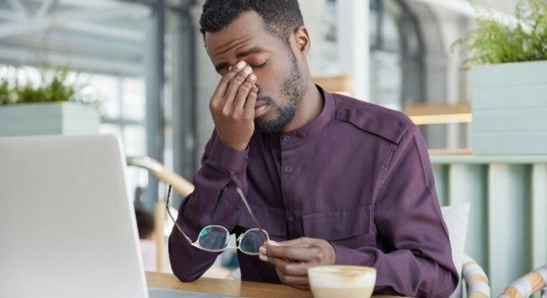 Para quem está de home office, é importante traçar limites na rotina, diz psicólogo
