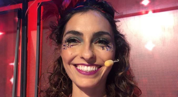 Bruna Caram faz sua estreia como jurada no Canta Comigo 3