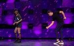O apresentador Rodrigo Faro se empolgou e relembrou os velhos tempos de Dança Gatinho quando ouviu umamúsica da cantora Beyoncé! Faro se inspirou pela performance de Ludmilla Lima, de 15 anos, que cantou um dos sucessos da cantora. Juntos, eles deram um show no palco!