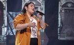 Letícia Lopes, de 16 anos, encanta os jurados com uma interpretação emocionante de Adele. Letícia cantou com perfeição a música Someone Like You e conseguiu levantar 95 jurados