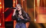 Isabella Parra, de 12 anos, apostou em um clássico de Fábio Jr. e cantou 20 e Poucos Anos para impressionar os jurados