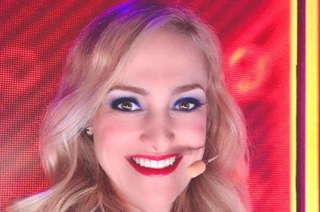 Adriana é cantora e psicóloga