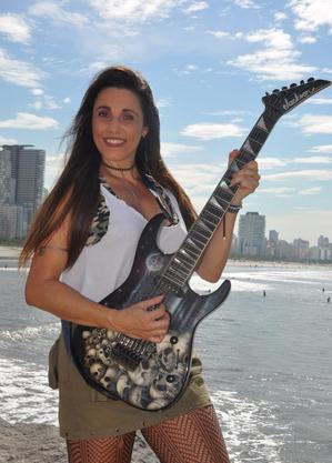 Neila  Abrahão é jurada do Canta Comigo Teen