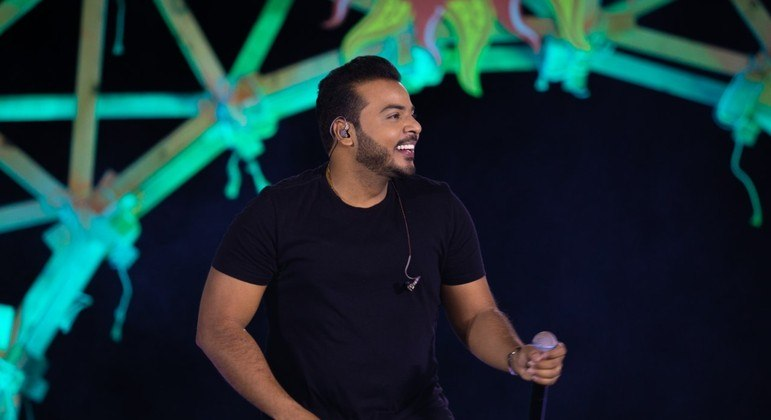 """Anderson Rodrigues canta """"Era Eu"""" e """"Carinha de BBzinho"""", uma das músicas mais tocadas do país"""