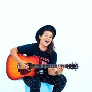Karla Stelzer é a revelação do pop-rock nacional