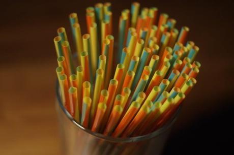 Canudos de plástico podem ser proibidos em BH