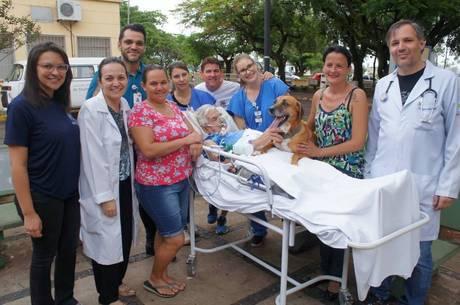 Equipe médica se emociona com visita
