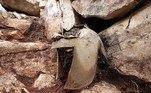 Quanto ao capacete, feito em bronze, ele foi desenvolvido no Peloponeso — extensa península montanhosa ao sul da Grécia —, entre os séculos 8 a.C. e 7 a.C.Leia mais!Monólito misterioso quase idêntico ao dos EUA é encontrado na Europa