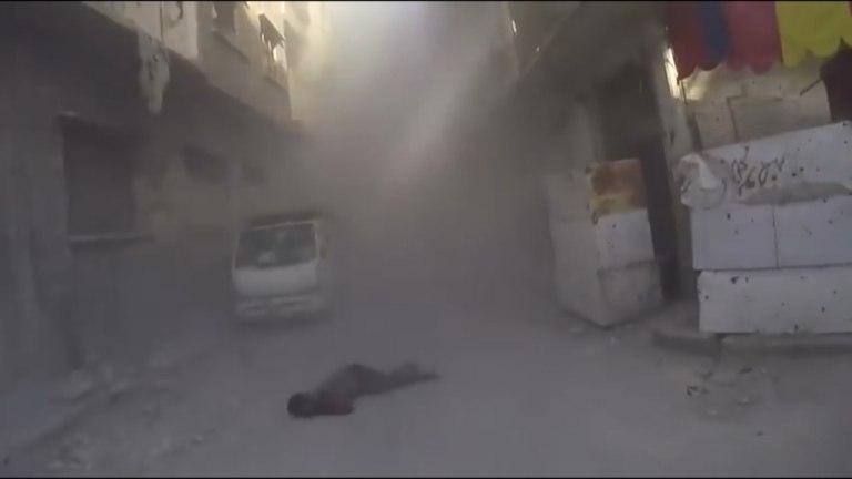 Vídeo mostra Capacetes Brancos sendo atingidos por bomba na Síria