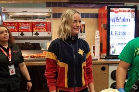 Brie Larson surpreendeu fãs nos cinemas americanos