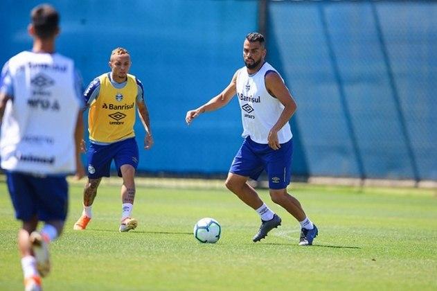 Capitão do Grêmio, o volante Maicon tem perfil adequado para liderar um vestiário como treinador.
