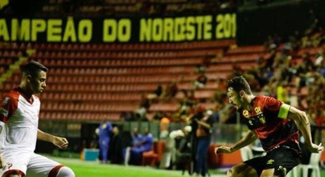 Capitão levou o segundo amarelo na reta final do jogo pela Copa do Nordeste, e viu Leão tomar dois gols em seguida