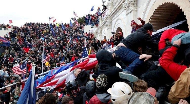 Capitólio foi invadido por apoiadores de Donald Trump em janeiro deste ano