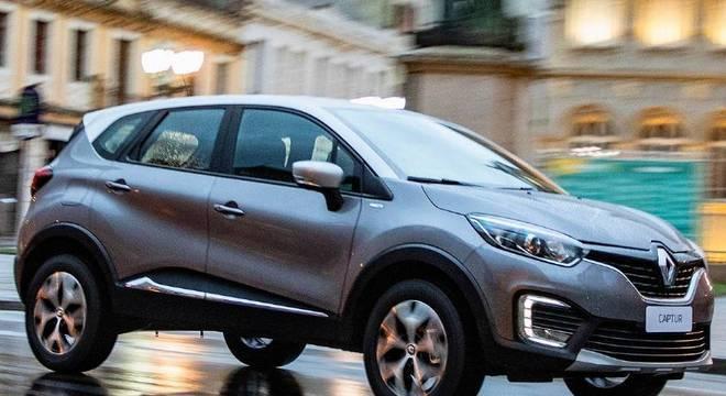 Suspensão é confortável para rodar na cidade e estrada a bordo do Renault Captur