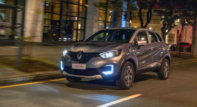 Já o Renault Captur é equipado com motor SCe 1.6 que tem 118cv com gasolina e 120cv com etanol e 16,2kgfm de torque.