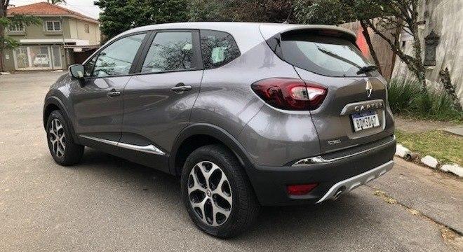 O Renault Captur Bose têm a proposta bem clara: unir beleza e baixo custo de manutenção.