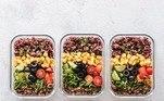 Segundo a médica nutróloga Marcella Garcez, nesse caso, o paciente responde bem a uma dieta hiperproteica somente se sente saciado quando consome fibras e vegetais