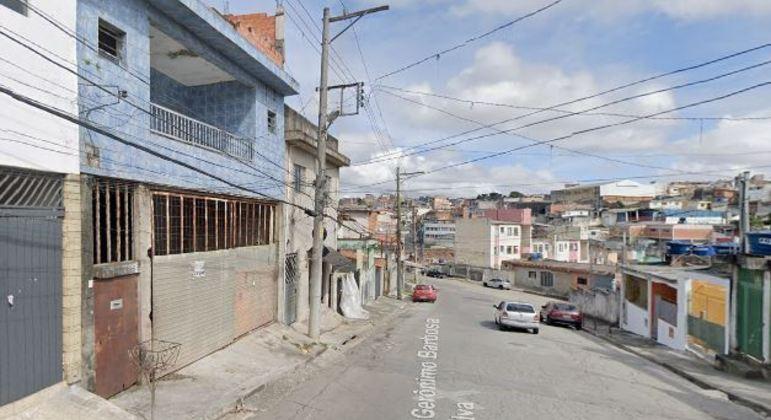 Homem é preso acusado de estuprar e manter a ex em cárcere privado no Jardim Robru