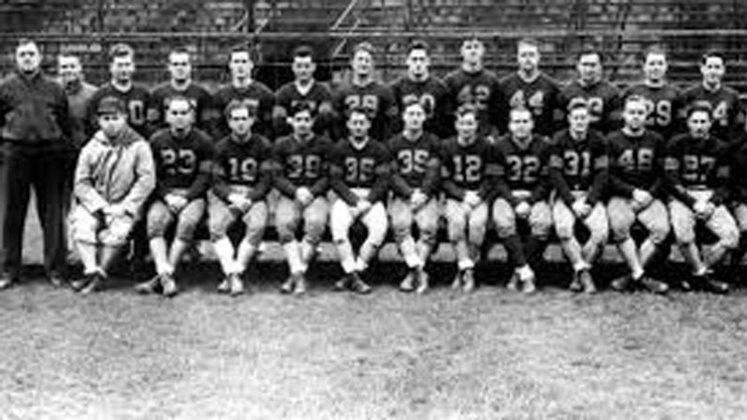 Card-Pitt (1944). Fusão entre Pittsburgh Steelers, Philadelphia Eagles e Chicago Cardinals. Não deu muito certo e foram dez derrotas em dez jogos.