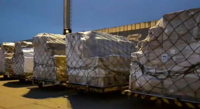 Chega a São Paulo carga com sete milhões de máscaras cirúrgicas