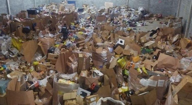 PM recuperou diferentes cargas roubadas em galpão no Arujá, na Grande SP