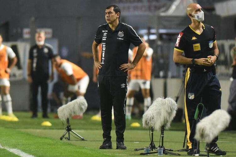 Carille foi apresentado a todos os problemas do Santos. Elenco fraco, dívidas e pressão