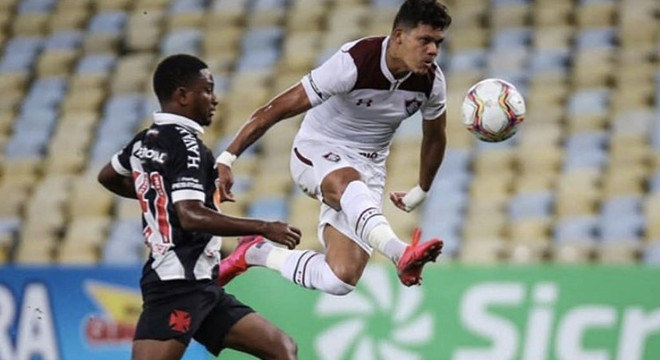 Vasco e Fluminense também se enfrentaram com o Maracanã vazio