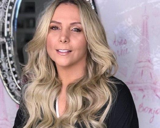Carla Perez - atriz/cantora/apresentadora - time do coração: Vitória