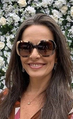 Carla Vilhena não negocia volta para bancada de telejornais