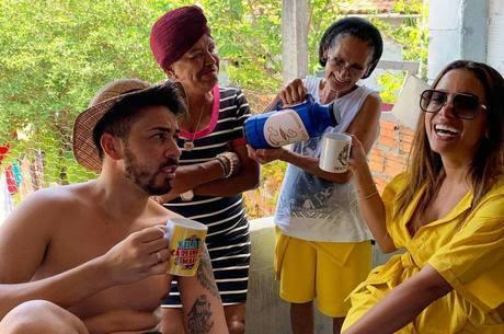 Carlinhos recebeu visita de Anitta em casa
