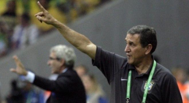 Carlos Alberto Parreira era o técnico da Seleção