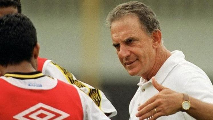 Carlos Alberto Silva - Corinthians - 1991: A passagem de Carlos Alberto Silva pelo Corinthians em 1991 não incluiu nenhuma partida oficial. Foram três amistosos, e então ele recebeu uma proposta milionária do Porto e deixou o Timão.