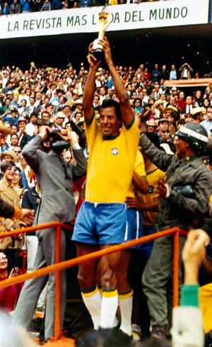 Carlos Alberto Torres era digno de ser chamado capitão. Bruno? Jamais