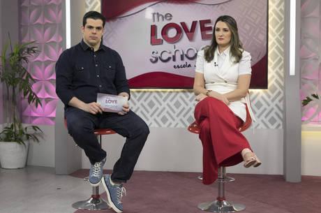 Carlos e Cíntia Cuccato comandam mais um The Love School - Escola do Amor ao vivo