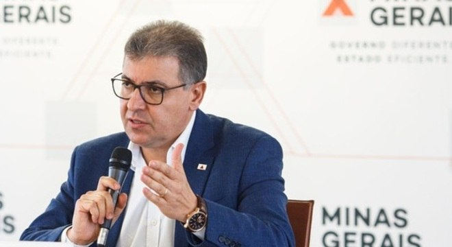 Secretário Carlos Eduardo Amaral concede entrevista coletiva