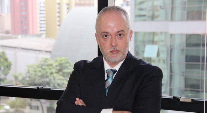 Carlos Fernando dos Santos Lima diz que Bolsonaro causou 'decepção' ao não apoiar projeto anticrime de Sergio Moro