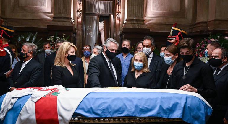 Ex-presidente Carlos Menem faleceu aos 90 anos