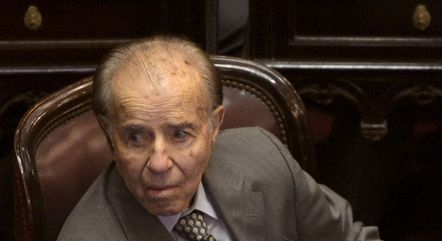 Menem governou a Argentina nos anos 1990 e exercia, atualmente, o cargo de senador
