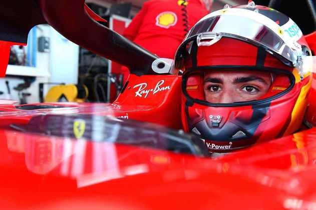 Carlos Sainz deu suas primeiras voltas com um carro da Ferrari nesta quarta-feira