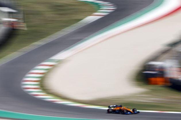 Carlos Sainz em ação no veloz circuito de Mugello