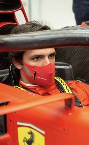 Sainz é apresentado na Ferrari