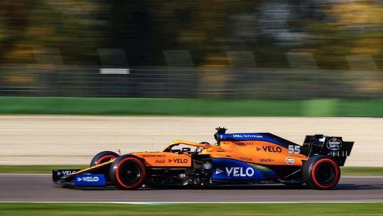 Carlos Sainz ficou apenas com o décimo lugar no grid
