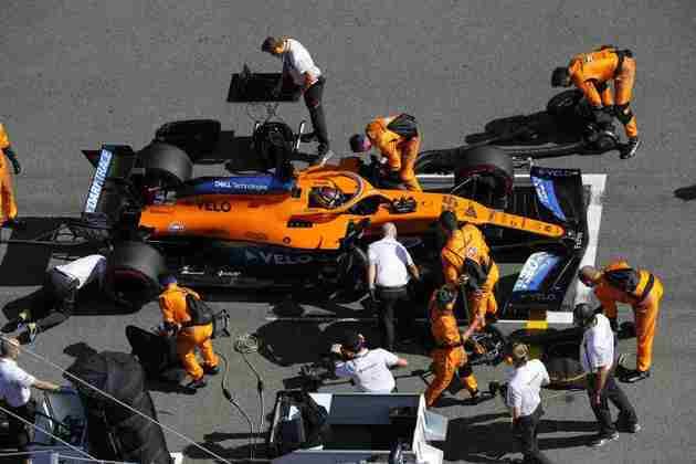 Carlos Sainz Jr. abandonou o GP da Rússia na primeira volta, após um acidente na largada