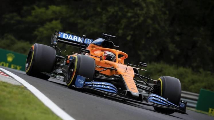 Carlos Sainz mostrou bom desempenho na chuva e ficou em 3º