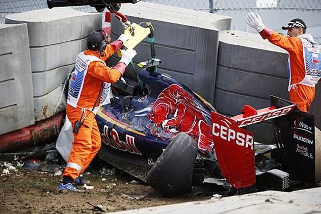 Carlos Sainz sofreu uma forte pancada no treino livre do GP da Rússia. Mesmo após passar a noite no hospital, participou da corrida.