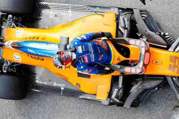 Carlos Sainz tentou, mas não conseguiu a vitória. O espanhol lamentou muito a oportunidade perdida