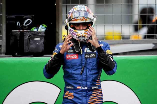 Carlos Sainz terminou no quinto lugar