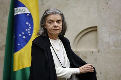 Cármen Lúcia assumirá presidência da República