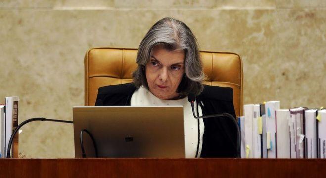 Cármen Lúcia falou em ritos do judiciário e quebra de hierarquia